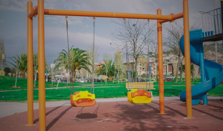 Playground Swings Manufacturers in Noida